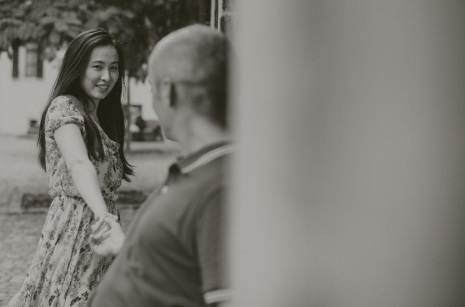 Glückliche Paare, die zusammen Zeit genießen – Hochzeitsfotograf Mosbach